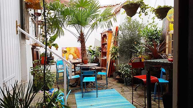 Innenhof artelier Cafe