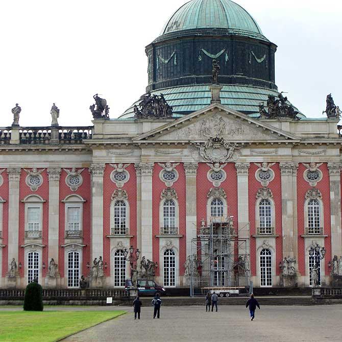 Eingang ins Neue Palais