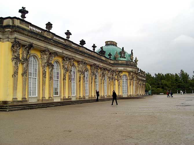 Schloss Sanssouci von vorne