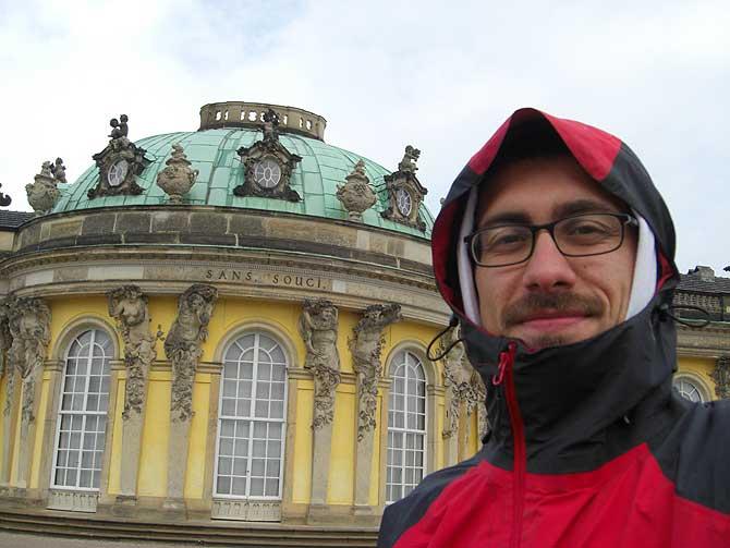Dein Deutschland Reiseblog vor Schloss Sanssouci Potsdam