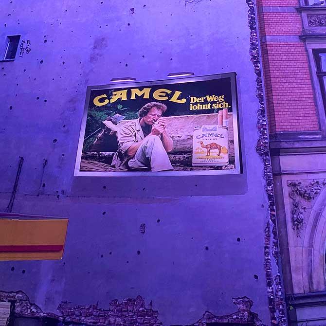 Werbeplakat von Camel