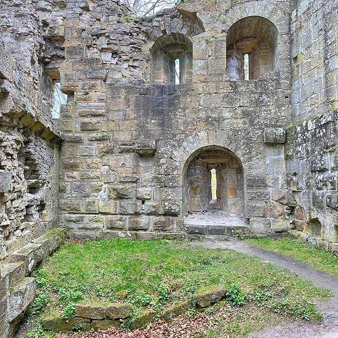 Palas der Burg Ruine Blankenhorn