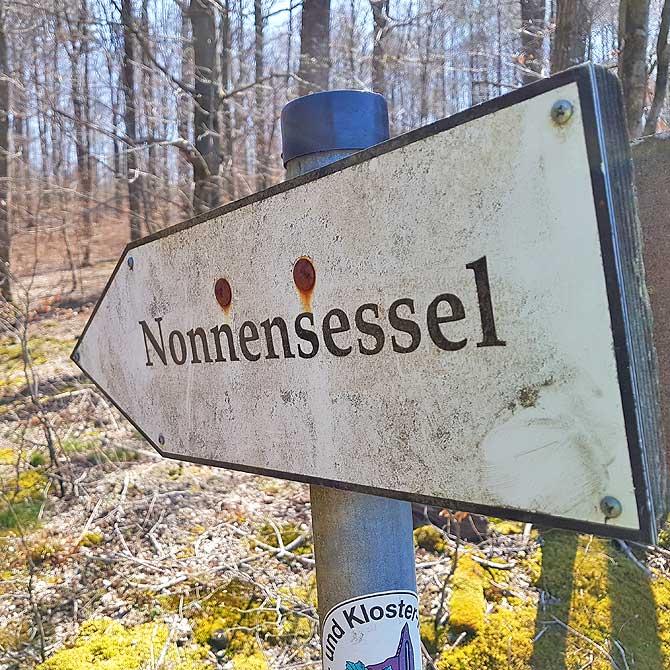 Weg zum Nonnensessel im Stromberg