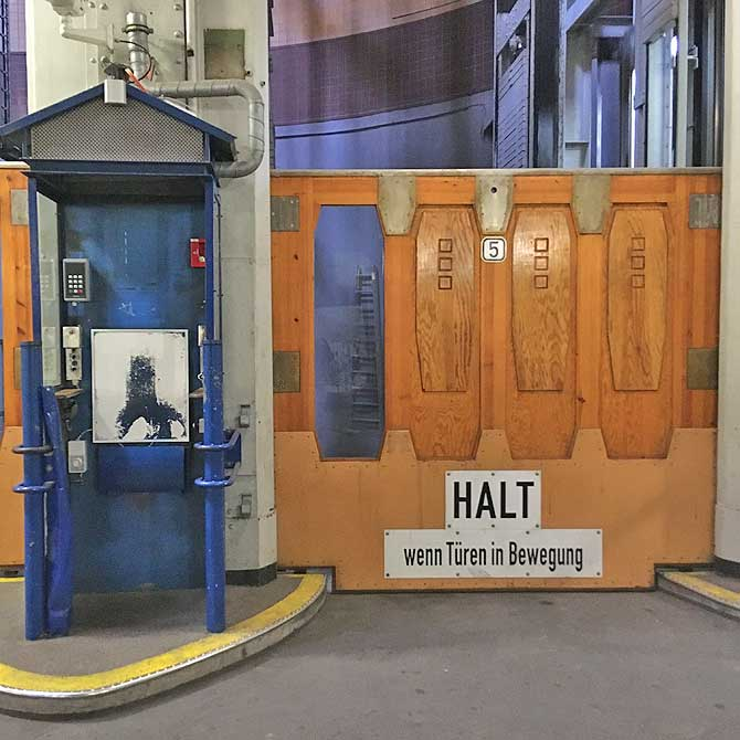 Fahrstuhl Alter Elbtunnel Hamburg