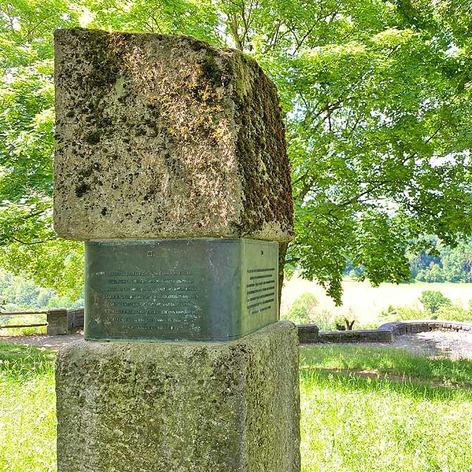 Denkmal an der Burgruine Blankenstein