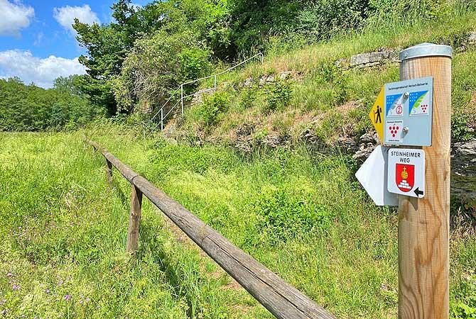 Wanderung-Wegzeichen Steinheimer Weg