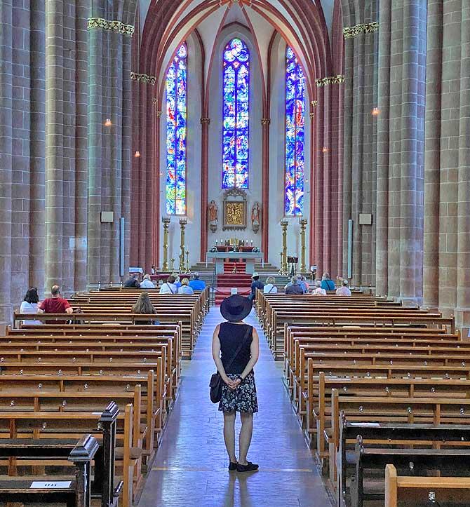 Influencen in der Mainzer St Stephan Kirche
