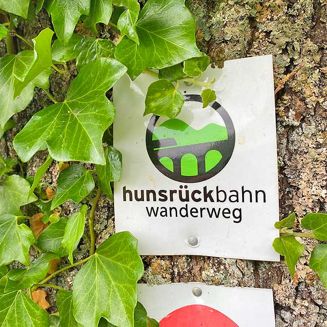 Hunsrückbahn-Wanderweg Wegzeichen