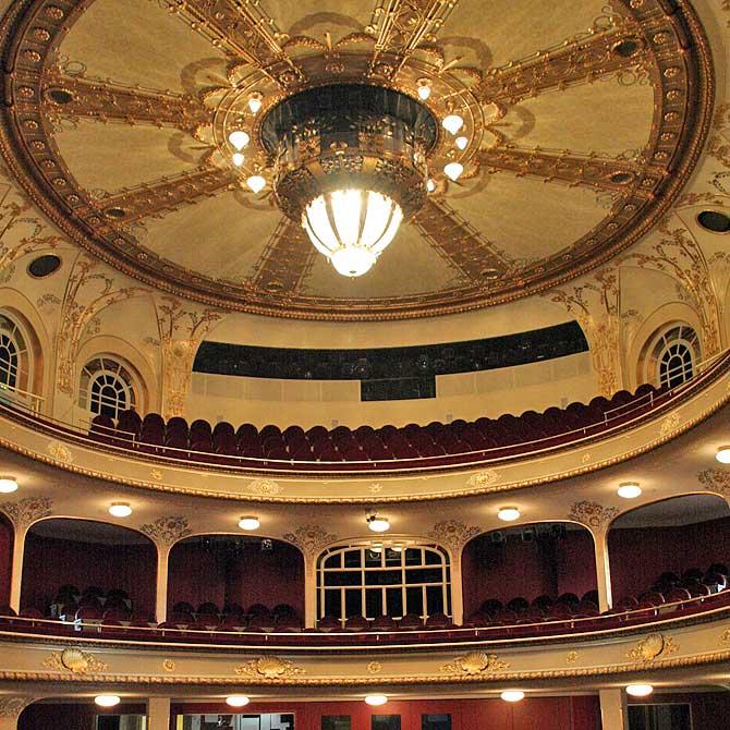 Von innen sieht das Theater richtig schön aus