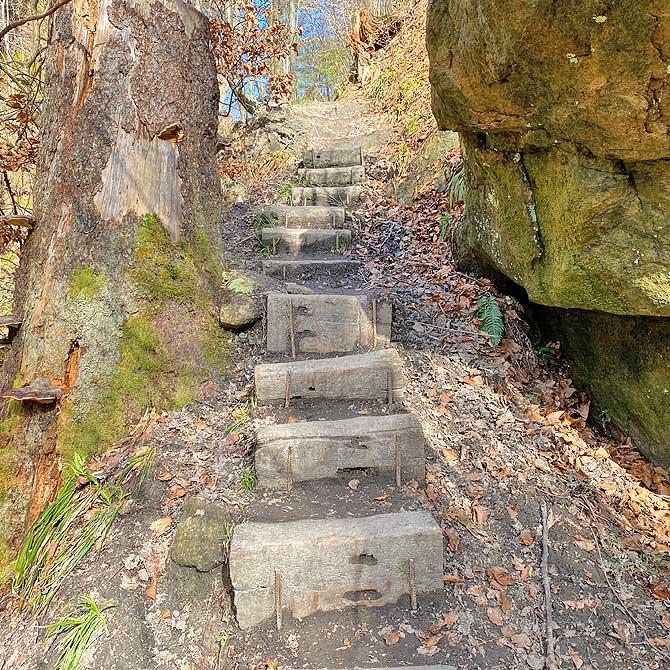 Treppe auf der G3 Wanderung Spiegelberg