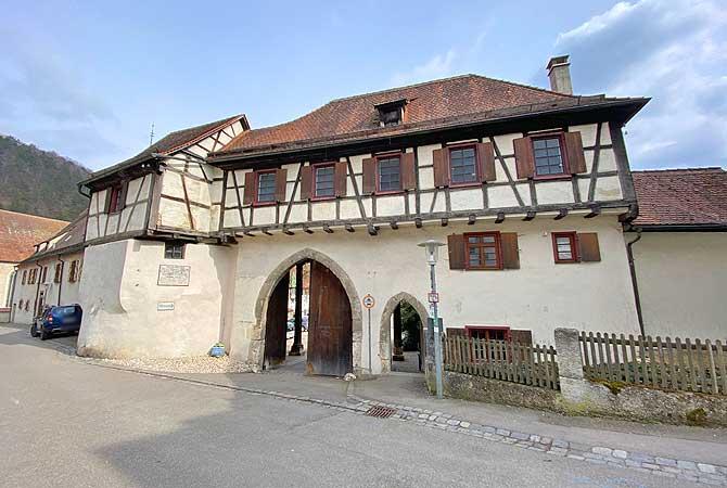 Eingang zum Blaubeurer Kloster