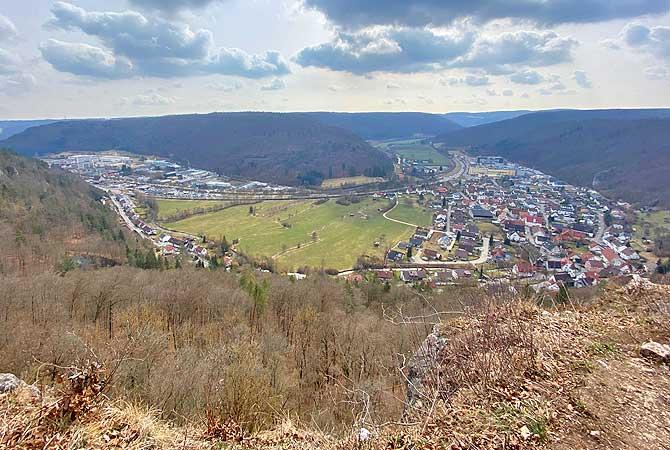 Ausblick von Ruine Günzelburg auf Blaubeuren