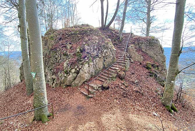 Ruine Günzelburg auf dem Blaubeurer Felsenstieg