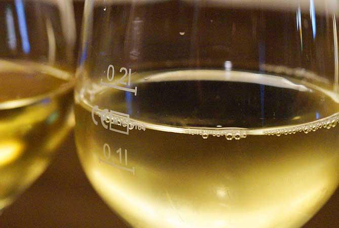 Weinprobe ist eine der wichtigsten Sehenswürdigkeiten in Mainz