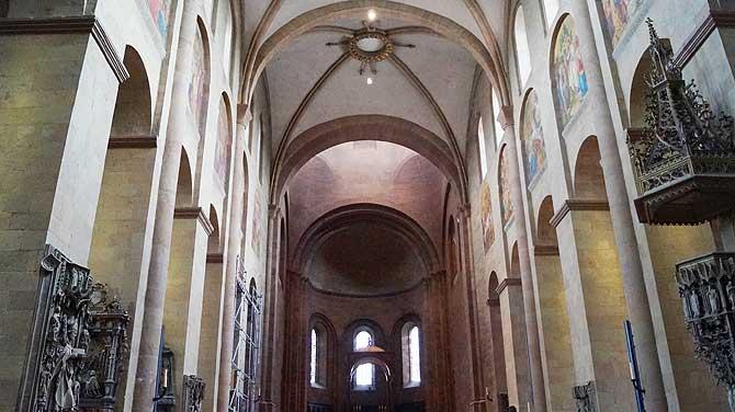 Mainzer Dom Kirchenschiff