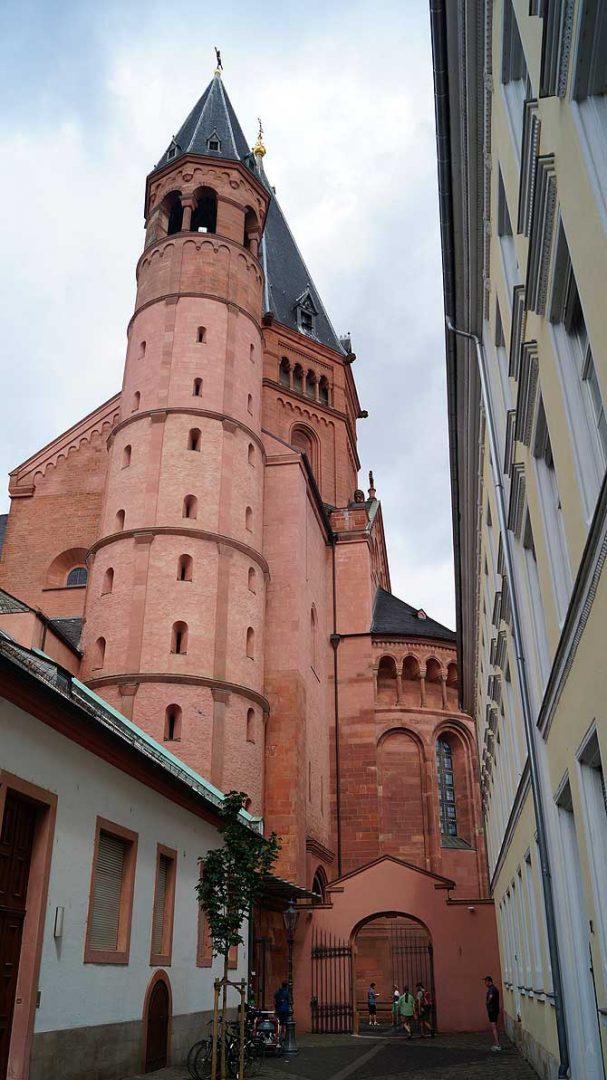 Der Mainzer Dom ist eine der wichtigsten Sehenswürdigkeiten in Mainz